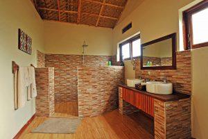 Nkuringo Bwindi Gorilla Lodge - bathroom