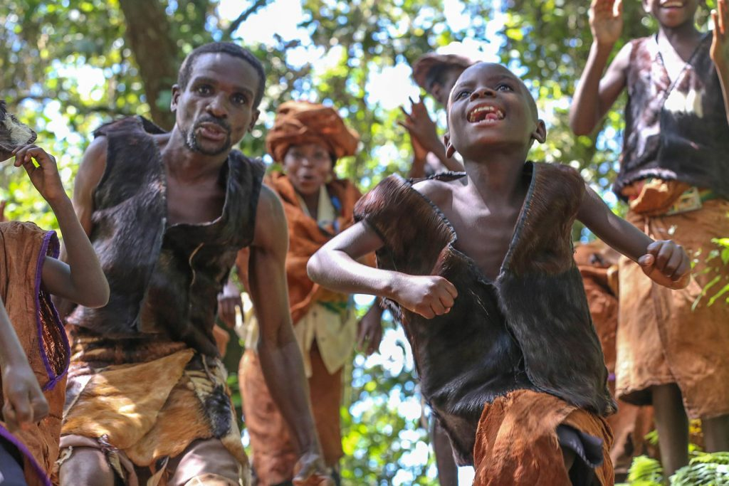 enounter the batwa native pygmy cultures in bwindi